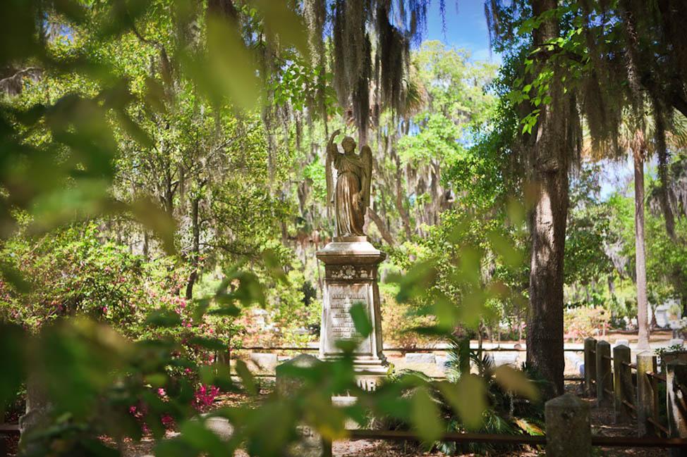 Visiting Bonaventure Cemetery in Savannah, Georgia thumbnail