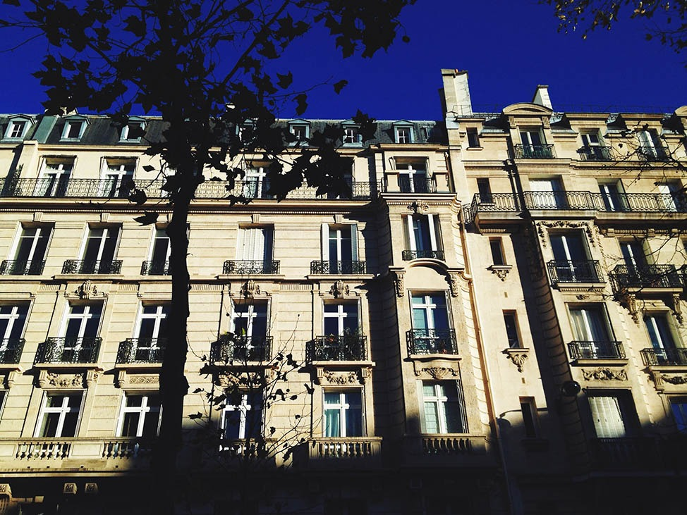 Housetripping through Paris