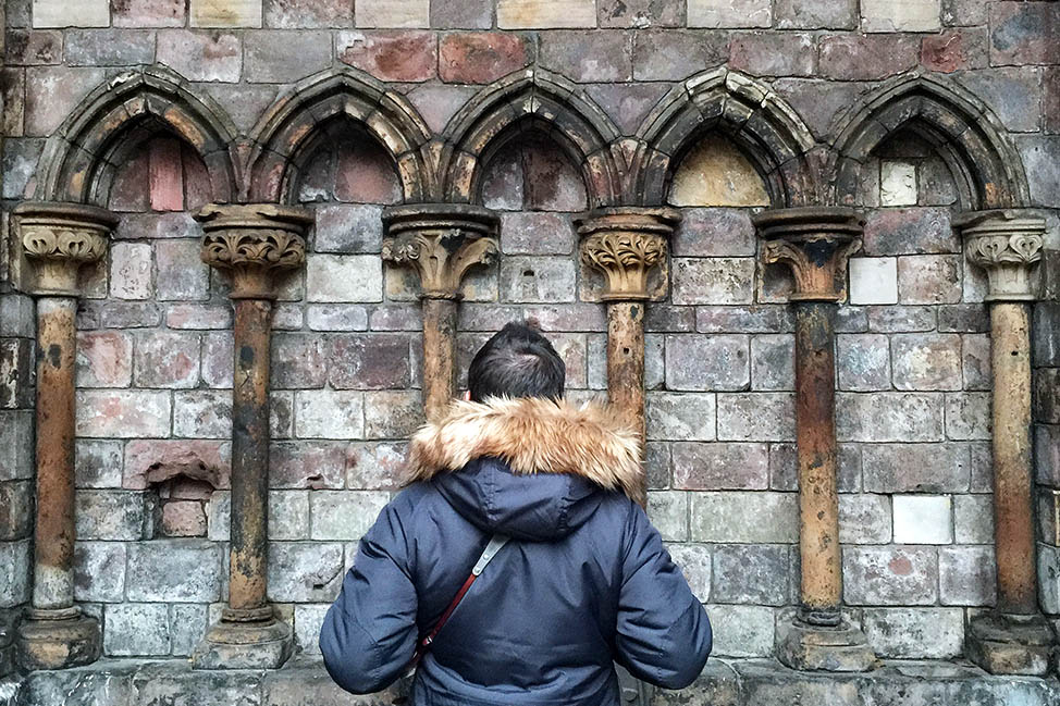 visiting holyrood abbey edinburgh scotland
